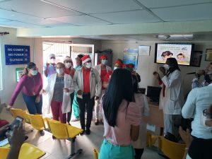 Hospital Local El Almirante celebra navidades entre empleados y usuarios.